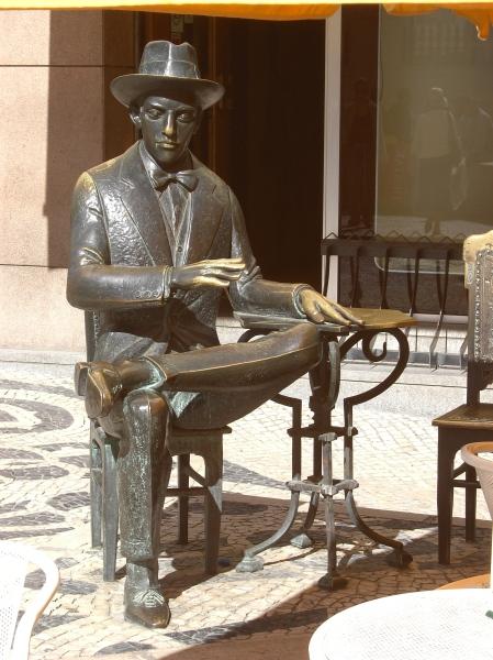 Fernando Pessoa in front of A Brasileira in Lisbon
