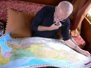 Paulo Coelho studying the route