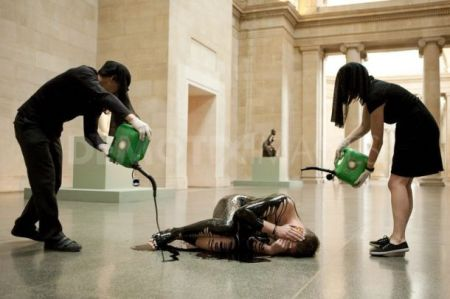 Tate Britain - oil performance art