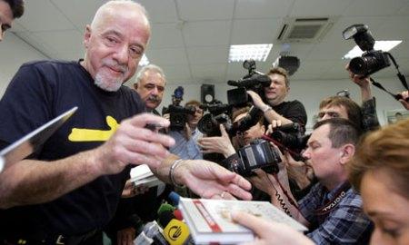 Paulo Coelho book signing in 2006