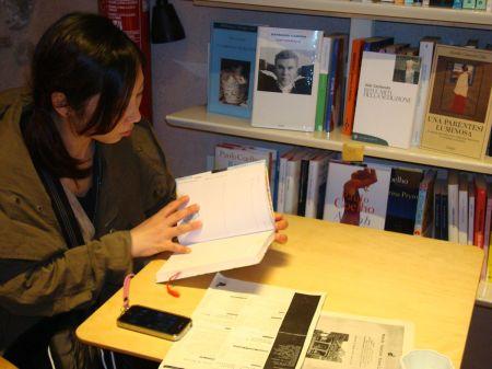 Mio browsing her favourite writer Paulo Coelho in Vicola Gamba