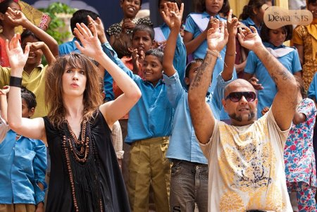 Imogen Heap and Vishal Dadlani on the streets of Samode