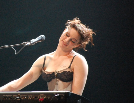 Amanda Palmer playing at the Music Box Theatre