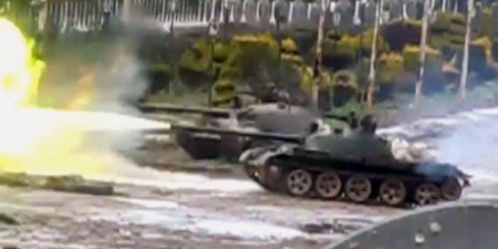 Syrian tanks in Homs