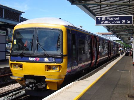 1234 First Great Western Reading-Gatwick train at Guildford Station