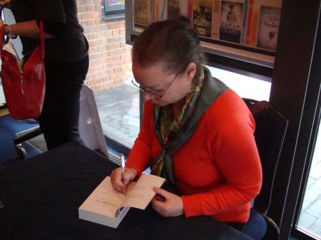 Judith Flanders signing The Victorian City