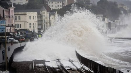 waves continue to pound the Dawlish seafront