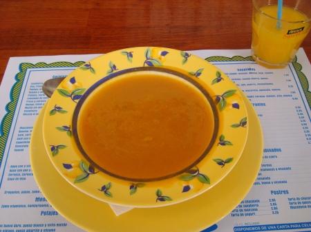 sopa de calabaza y zumo de naranja natural