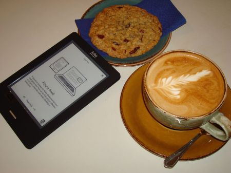 cappuccino and cookie and Kobo Touch