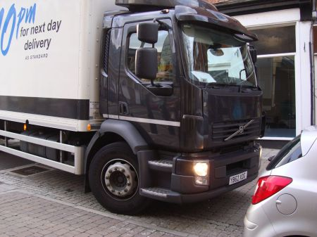 Next lorry delivery YB62 XDG