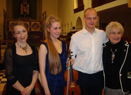 accompanist by Alison Rhind, violinist Lara Caister, pianist Pijus Mickus and host