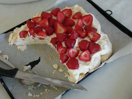 irresistible strawberry pavlova ...