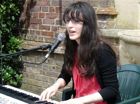 Jewelia acoustic set