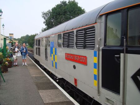 diesel-hauled train at Alton Station