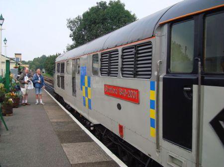 diesel-hauled train at Alton Station
