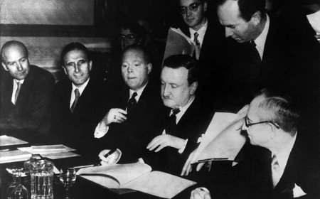 London conference  Germany bailed out in 1953