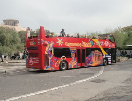 tourist open-top bus