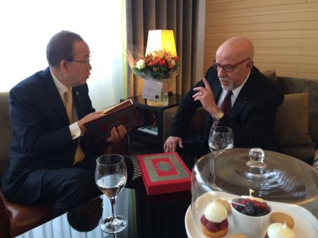 Paulo Coelho presents Ban Ki-moon with a special signed edition of The Alchemist