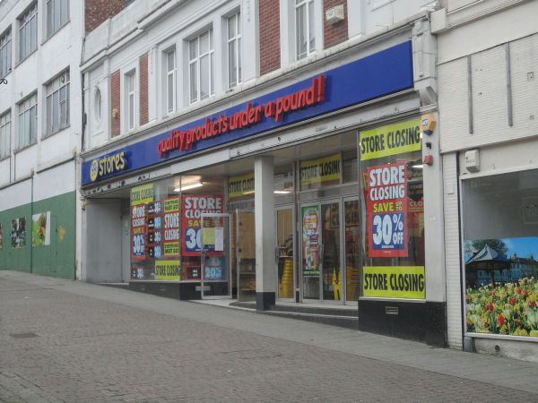 99p Stores closing down
