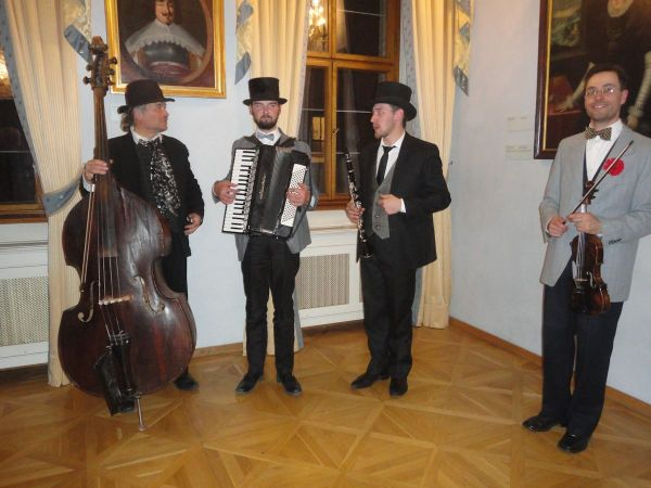 jazz quartet in the corner